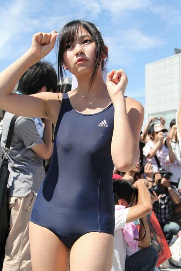 競泳水着のボディライン (2)