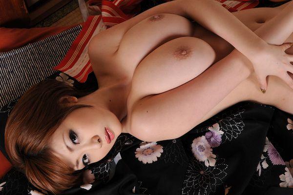 どデカいオッパイの、浜崎りお (3)