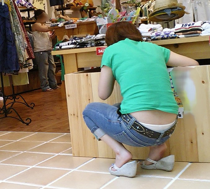 パンツとか尻とかチラリ (3)