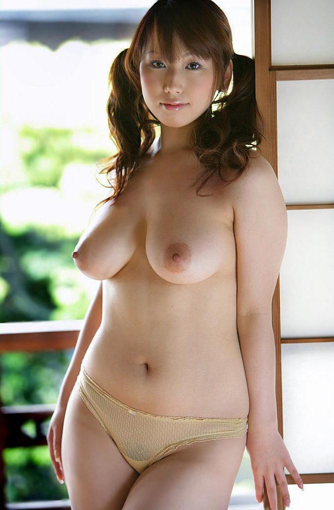 ちょっと太めの女 (2)