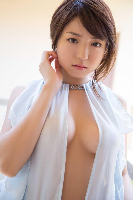 デカいオッパイの、中村静香 (4)