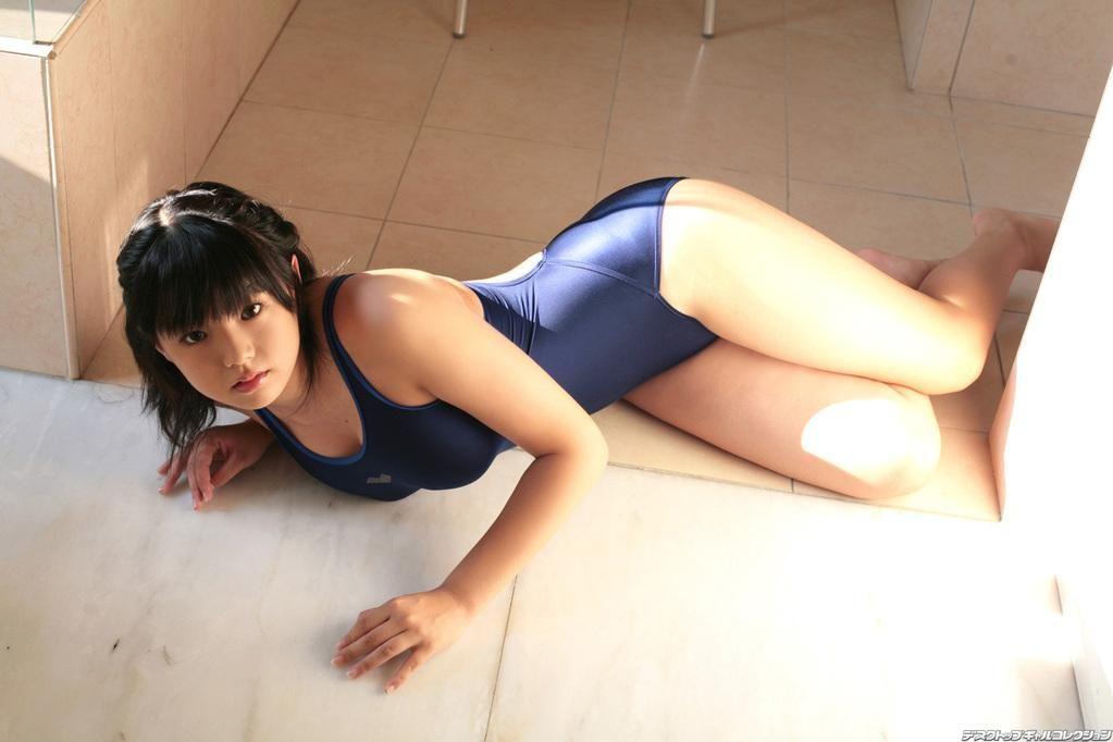 ふわふわボディの、篠崎愛 (5)