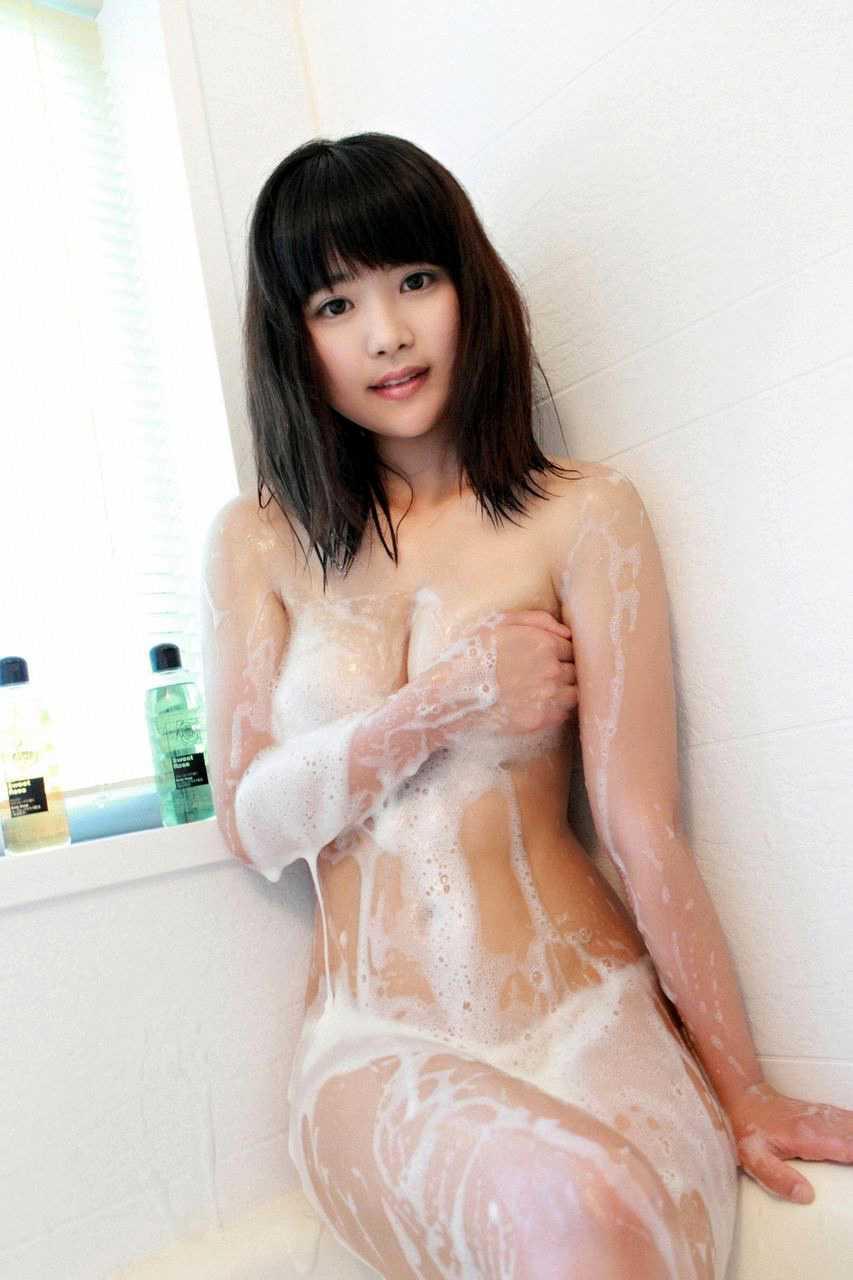 入浴中の女 (15)