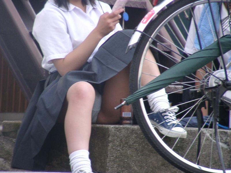 パンツが見えた女子校生 (8)