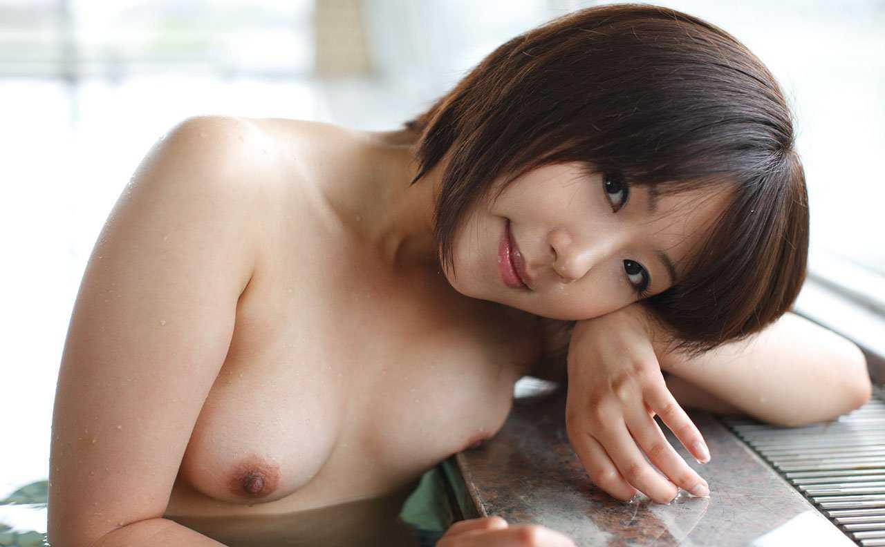 微乳も愛らしい、河合こころ (1)