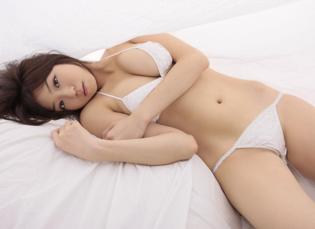 飲み姿もカワイイ、中村静香 (4)