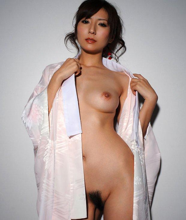 性に積極的な、椎名ゆな (19)