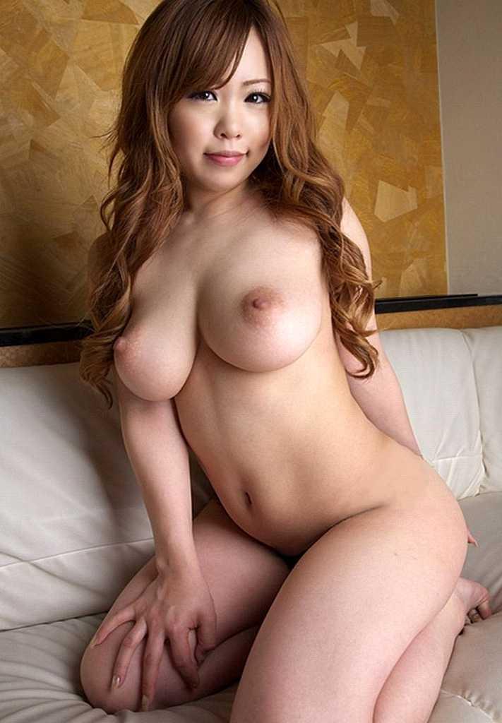 綺麗なデカパイ (13)