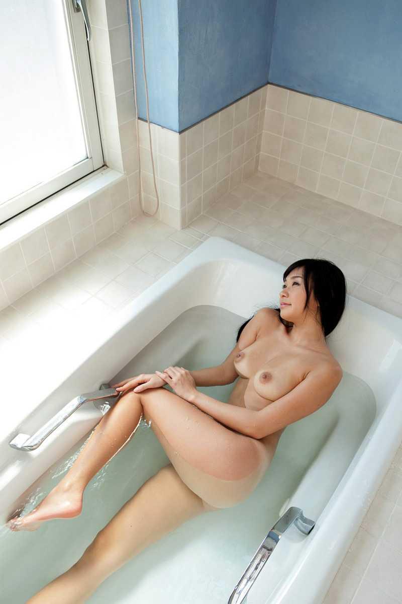 ノンビリと入浴中 (7)