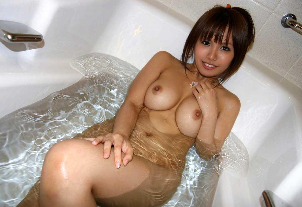ノンビリと入浴中 (1)