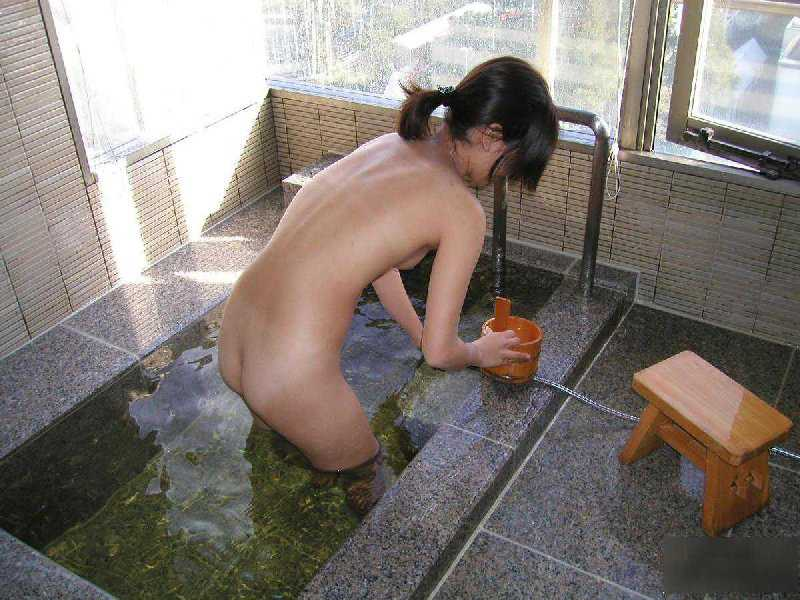 ノンビリと入浴中 (15)