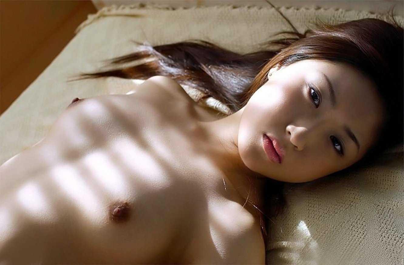 小ぶりな胸 (11)