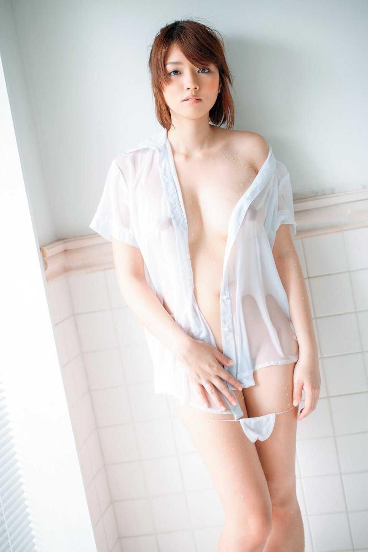 乳首が見えてるよ (20)