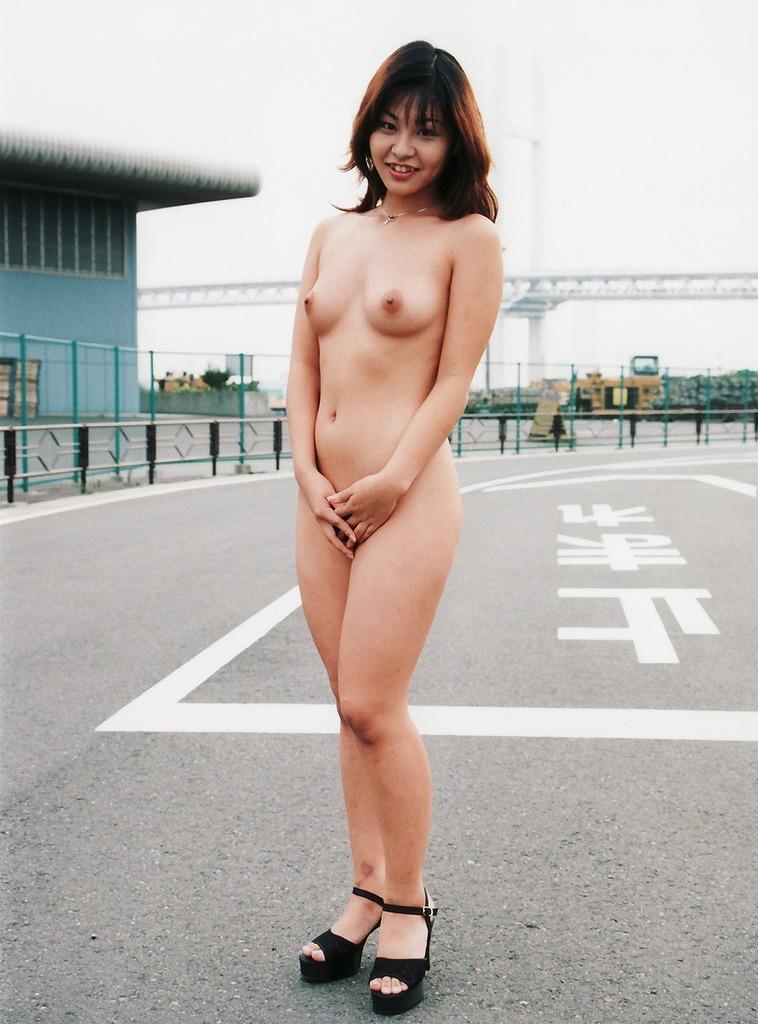 芸術的でもある全裸 (7)