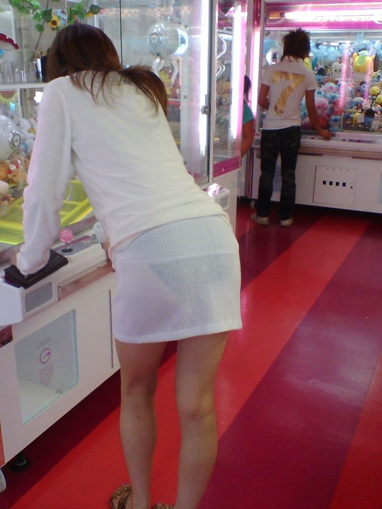 パンツが透け透け (2)