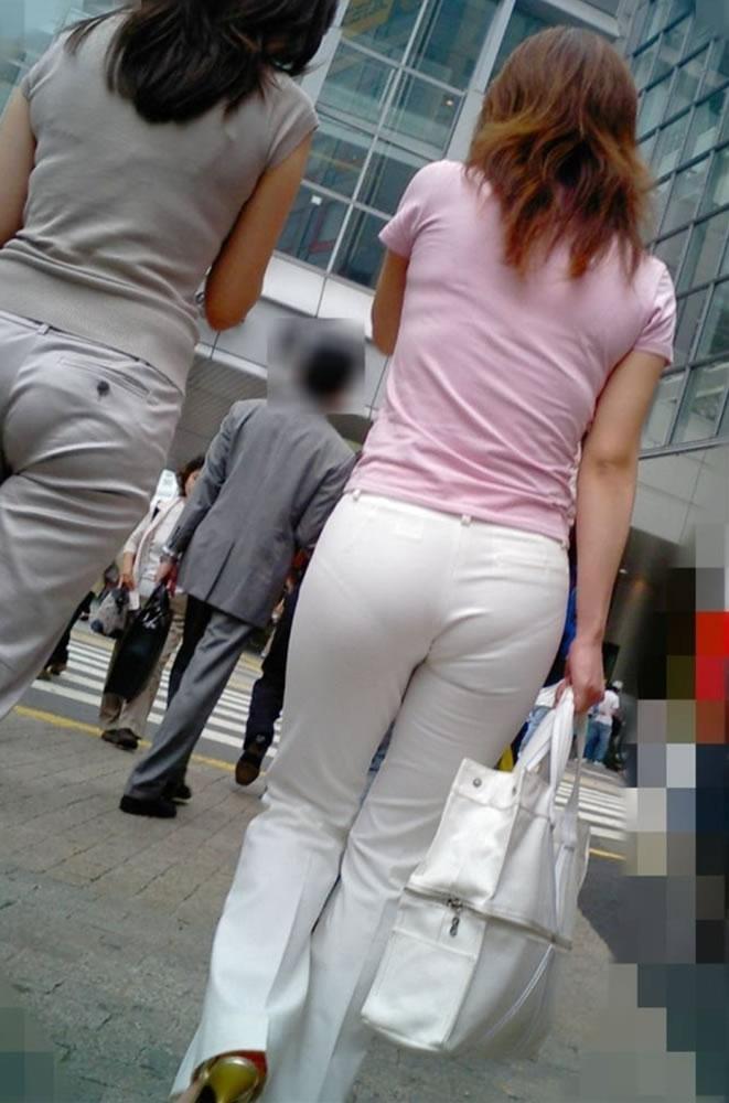 パンツが透け透け (19)