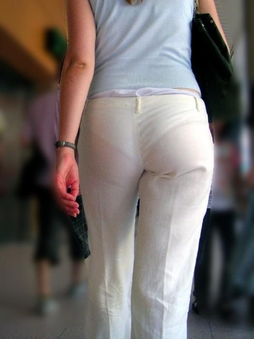 パンツが透け透け (12)