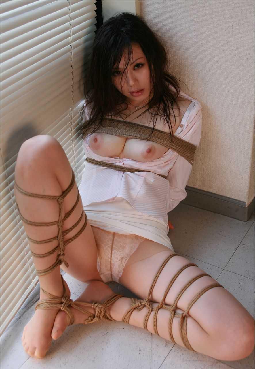 縛られる女 (12)