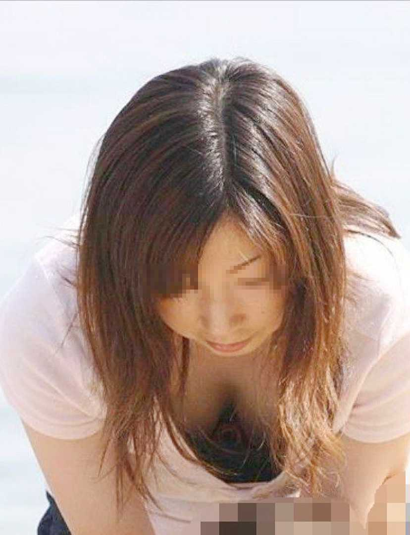 うっかり見られた胸 (14)