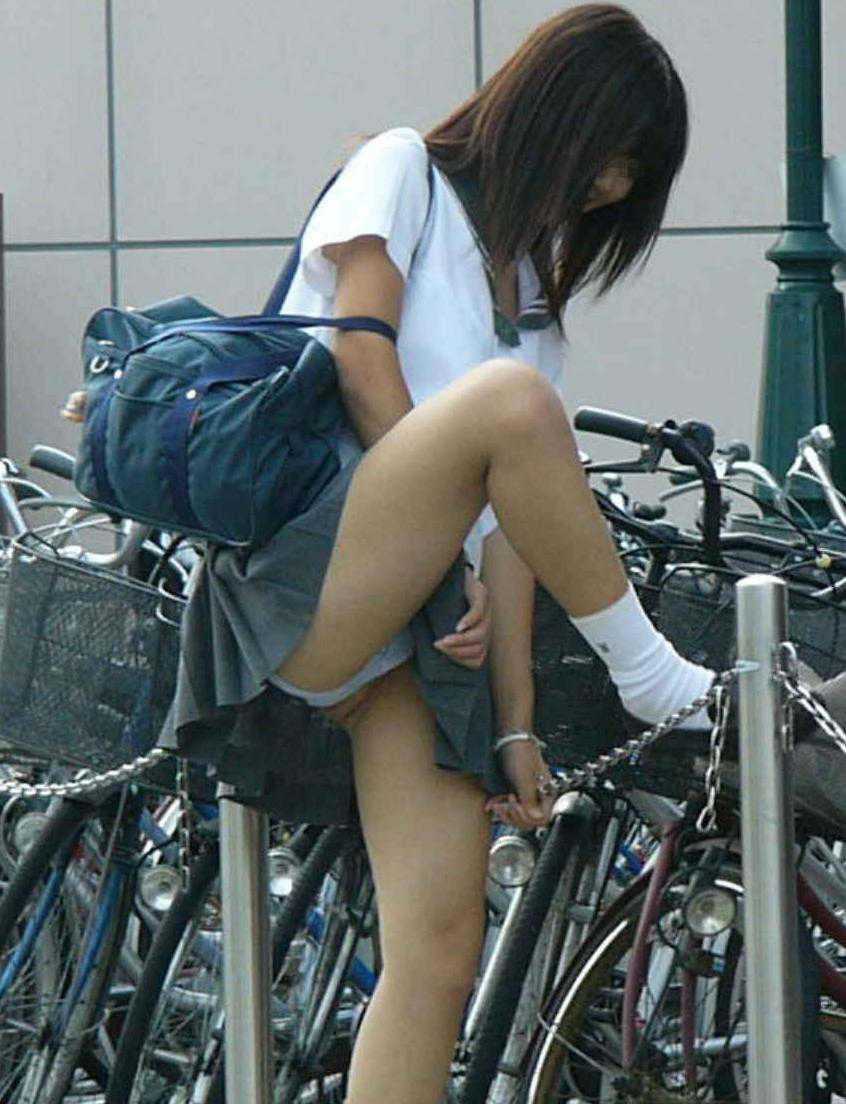 女子高生のパンティー (20)