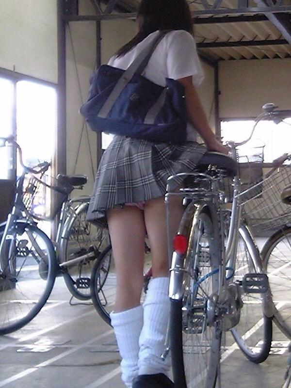 女子高生のパンティー (5)