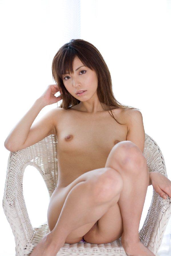 ちっちゃい乳房 (2)