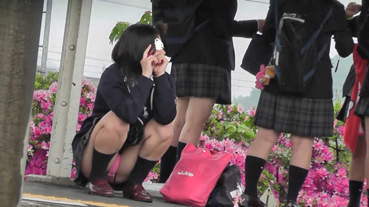 制服JKとパンティー (11)