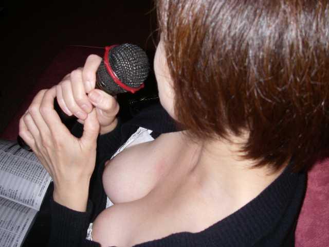 乳首チラチラ (14)