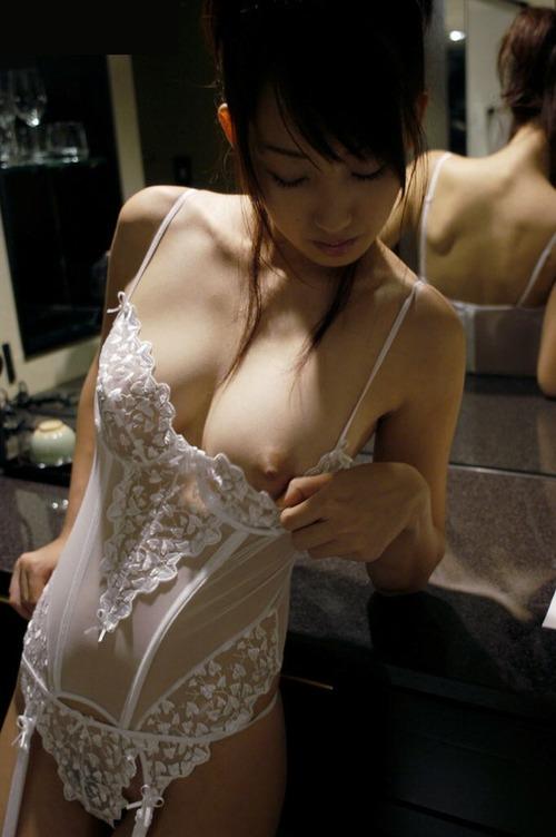片っ方の乳房 (7)