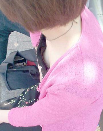 気になる乳房 (8)