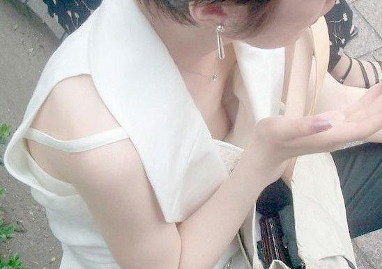 見えた乳房 (9)