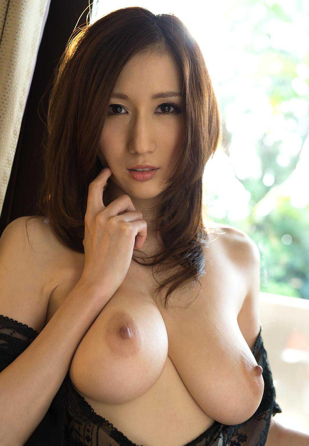 デカい巨乳の、JULIA (1)