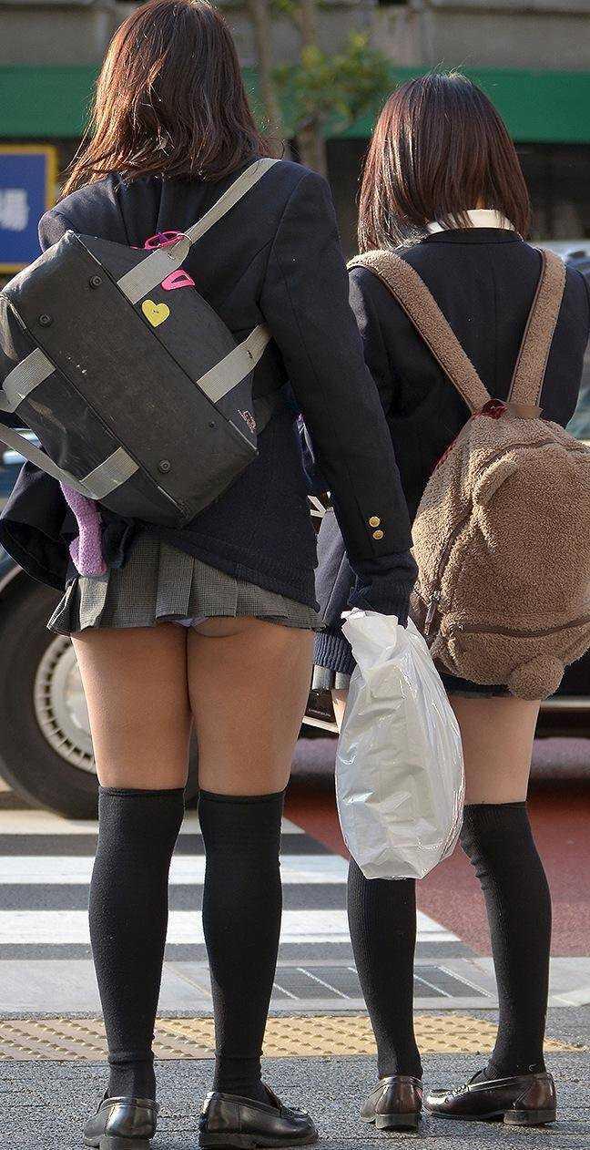 女子高生のパンティー (13)