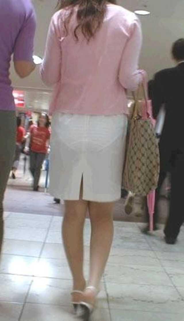 下着が透け透けだね (9)