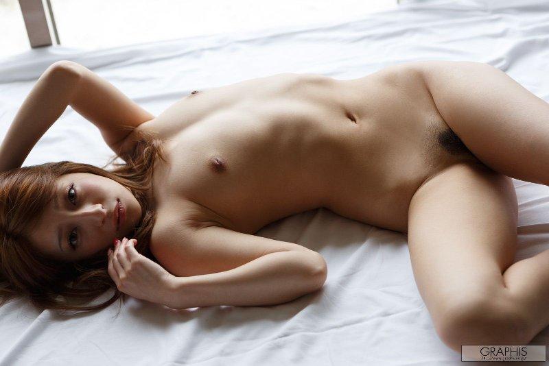 色白で美乳な、塔堂マリエ (4)