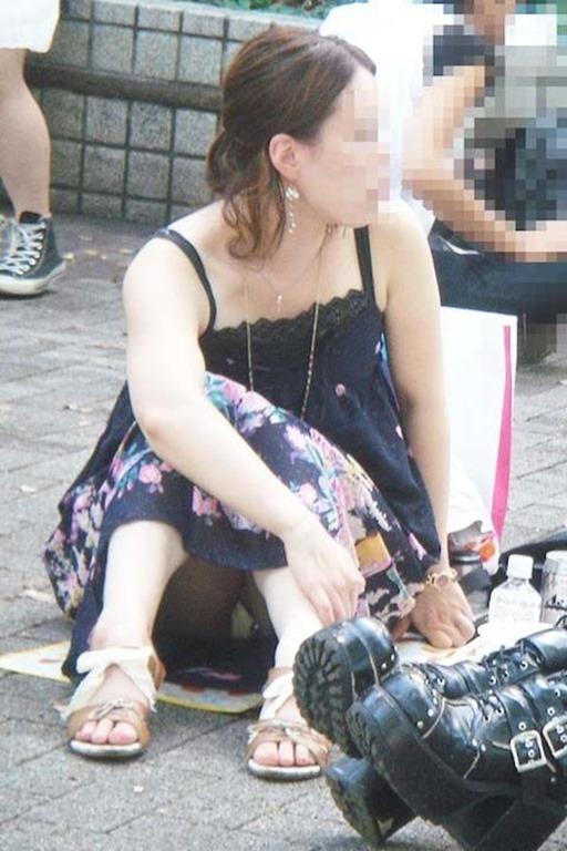 しゃがみパンティー (2)