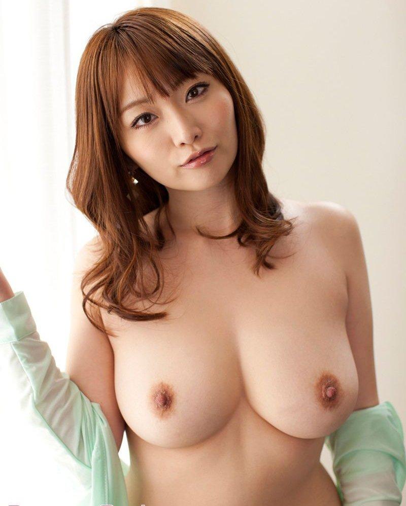 ムニュッとした乳房 (1)