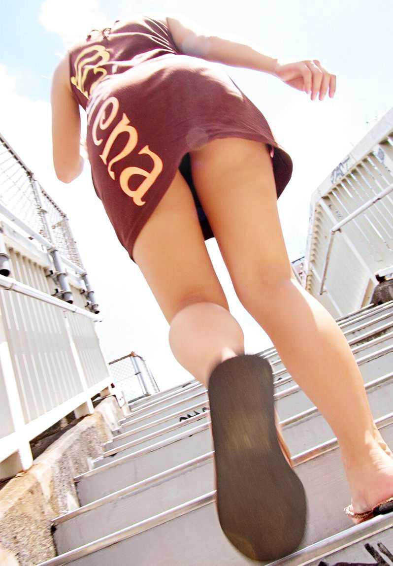 生足を舐めたい (5)