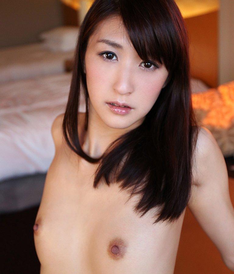 性欲旺盛な奥さん、神波多一花 (1)