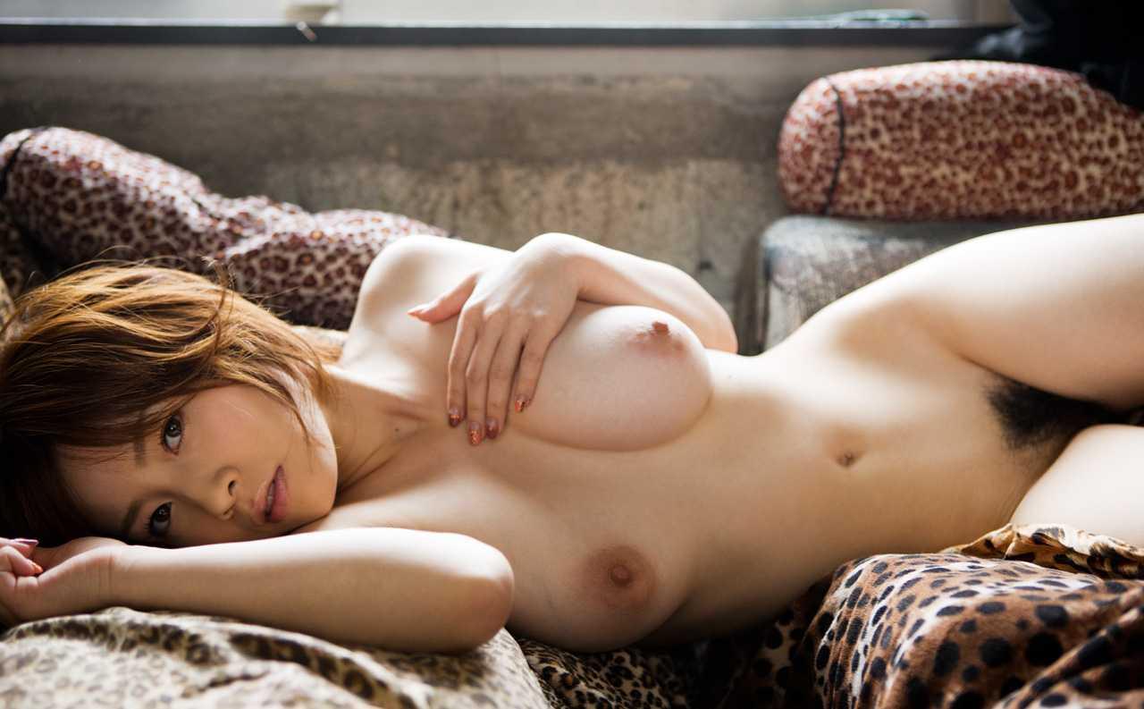 デカパイの美乳、奥田咲 (20)