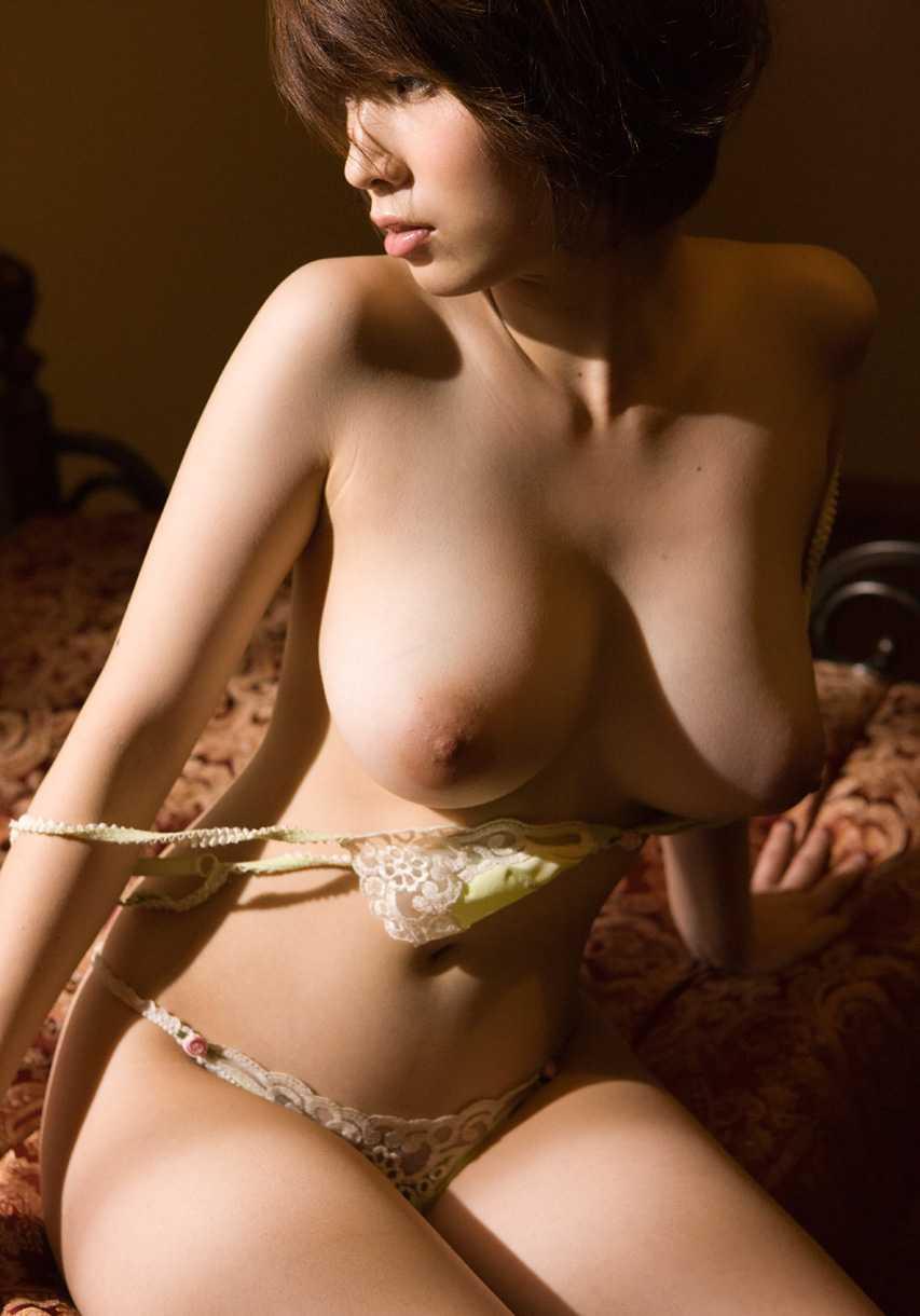 デカパイの美乳、奥田咲 (9)