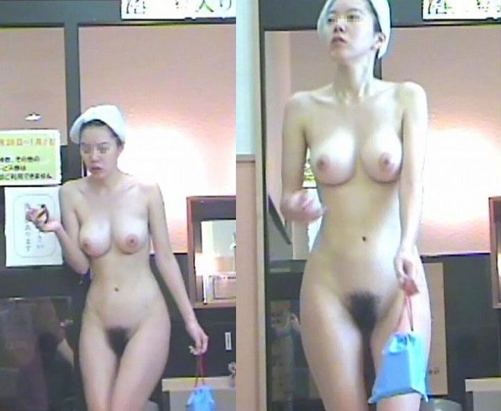 入浴姿を盗撮 (7)