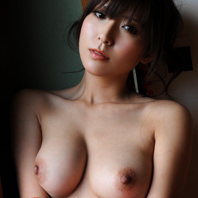 陵辱される美人、椎名ゆな (1)