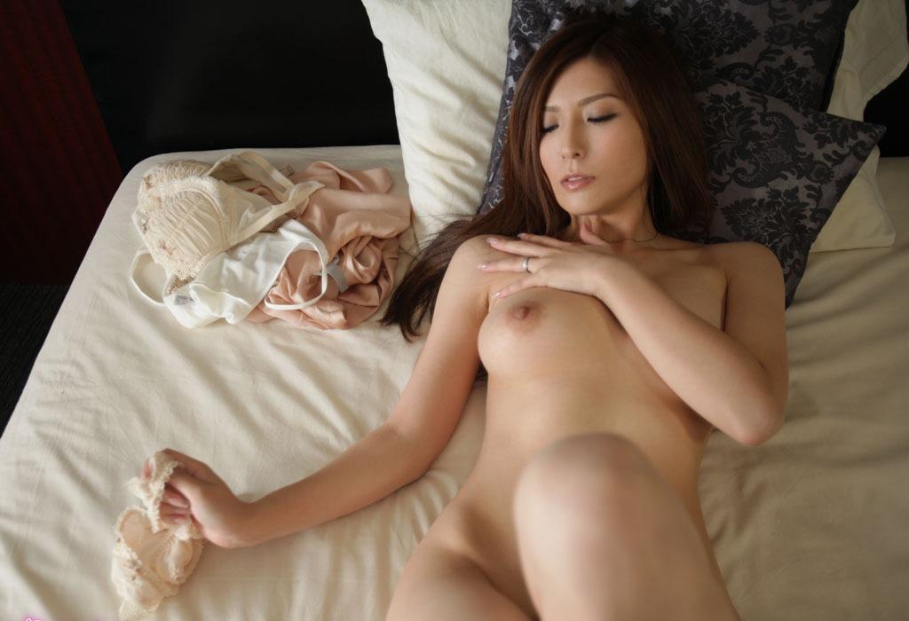 陵辱される美人、椎名ゆな (4)