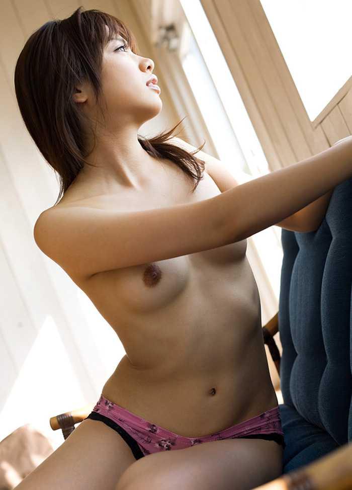 美しい胸と全裸 (10)