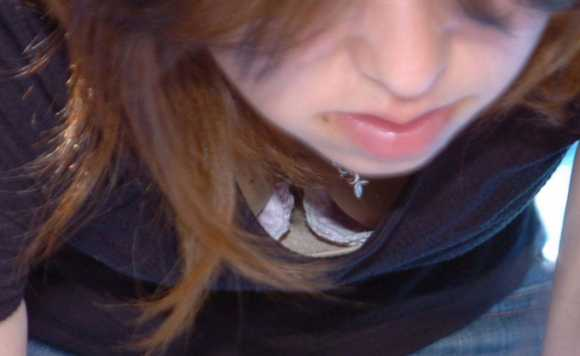 乳が覗ける (13)