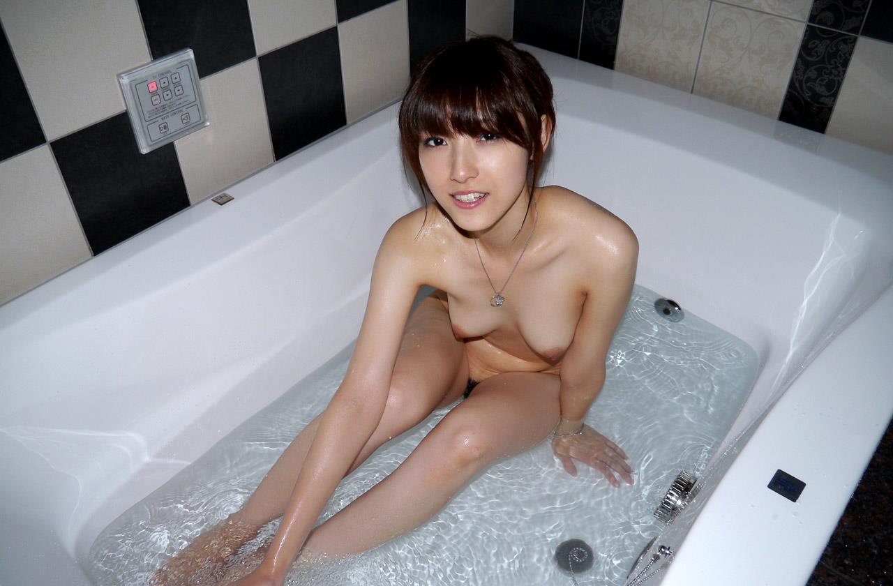 美乳の淫乱、飯岡かなこ (4)