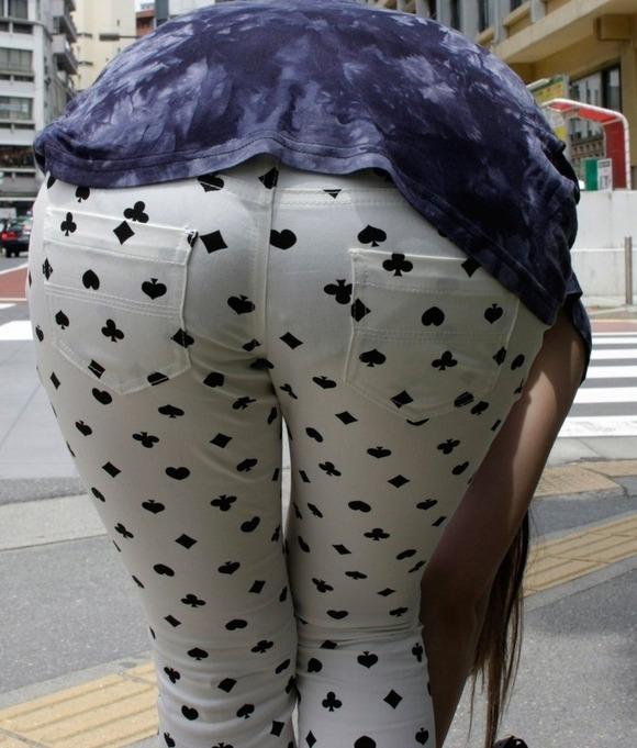 下着が見えてる (6)