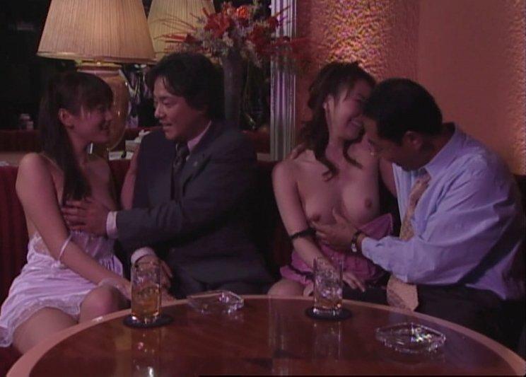 TVで見る乳房 (8)