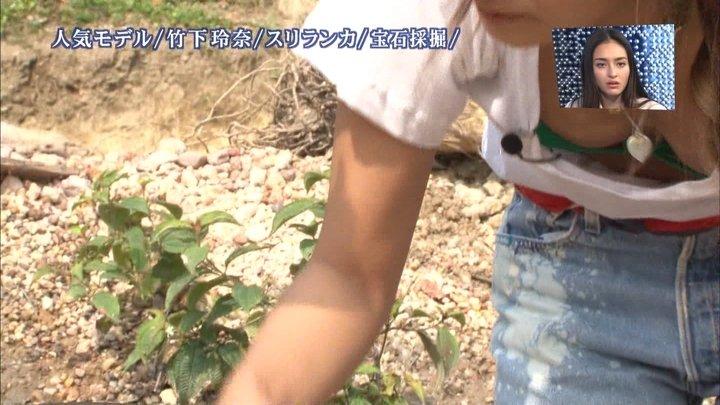 チラ見えのTV (8)